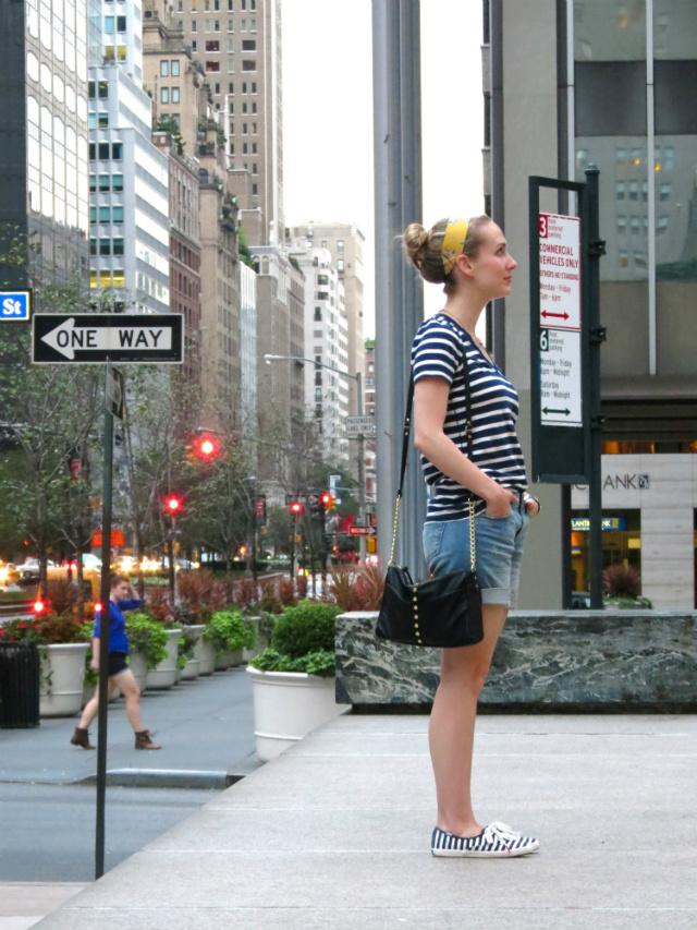 NYC tourist outfit, Madewell striped tee, Kut from the Kloth boyfriend shorts, Kate Spade Keds, thick headband, Olivia + Joy crossbody bag