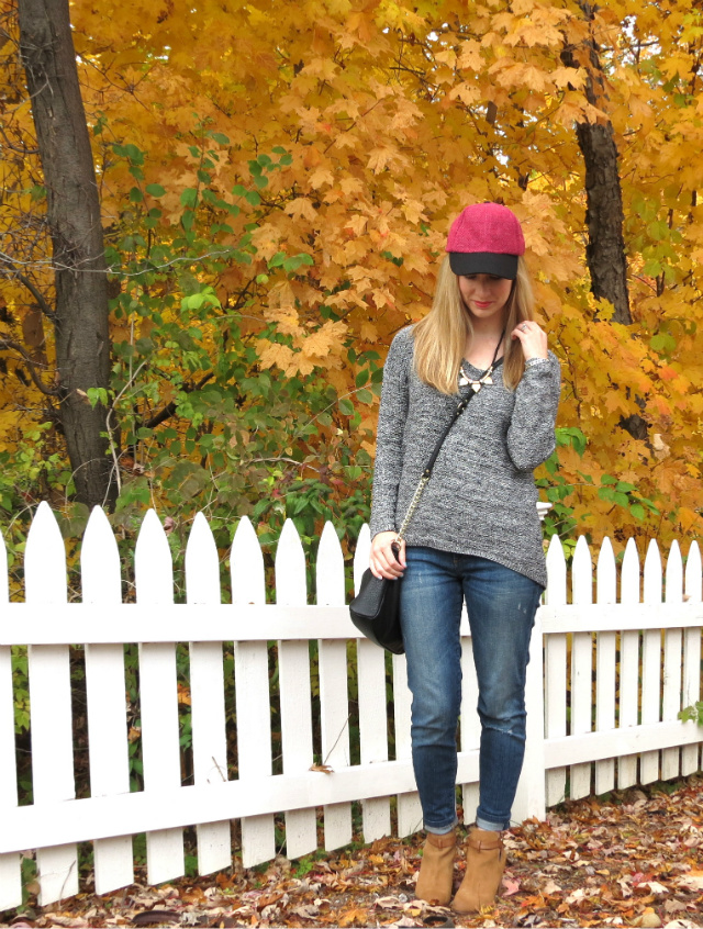 fashion baseball cap, outfit with baseball cap, guess cutout ankle boots, ankle boots with cuffed jeans