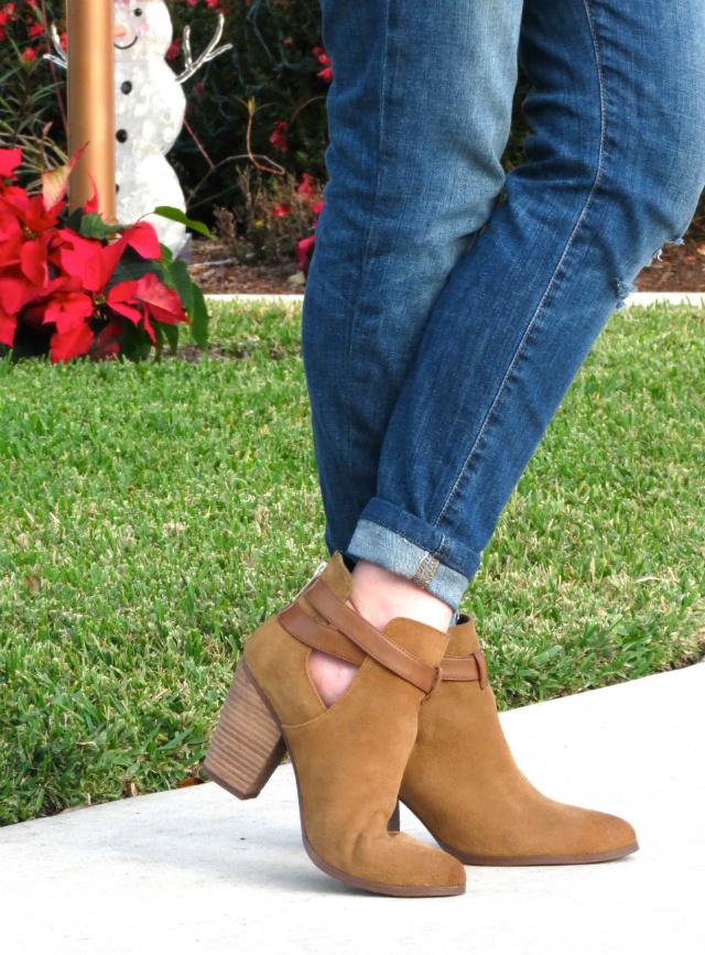 kate spade saturday tee, ya los angeles fur vest, joe's jeans, guess ankle boots, j crew link bracelet, revlon crush