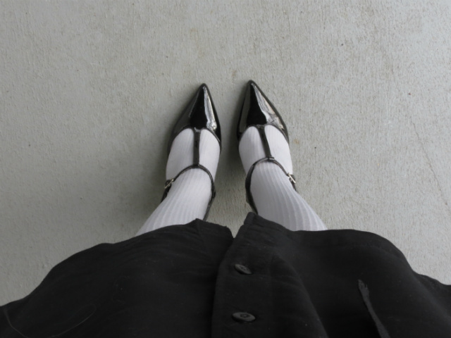 uniqlo shirtdress, gray tights, tights with t-strap pumps, j crew factory statement necklace