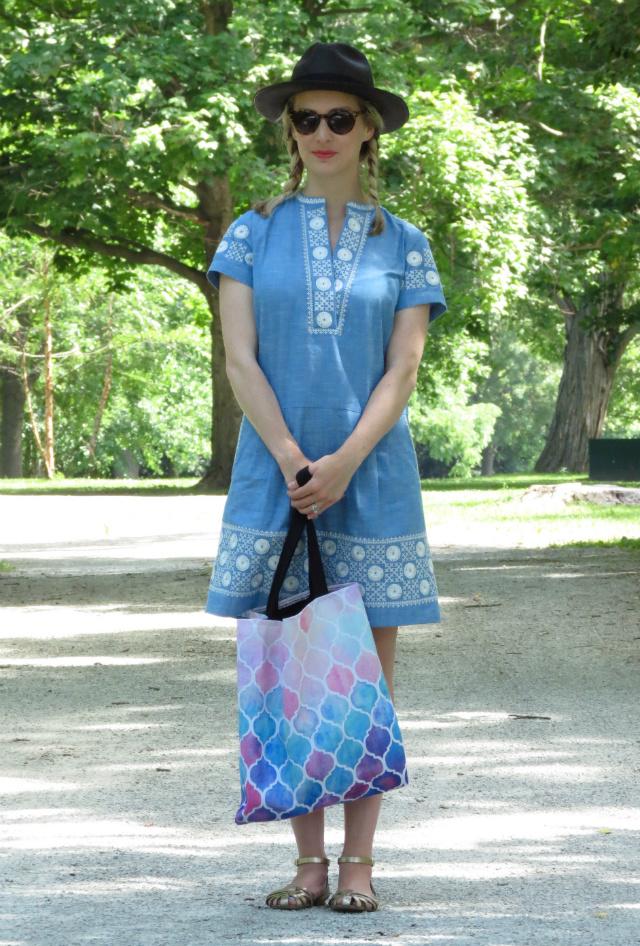 madewell sunstitch chambray dress, black panama hat, redbubble tote, indianapolis style blog