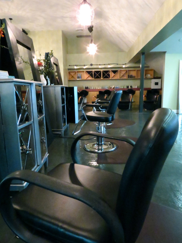 the beauty bar at geist, indianapolis salon review, salon that serves alcohol, fishers salon review